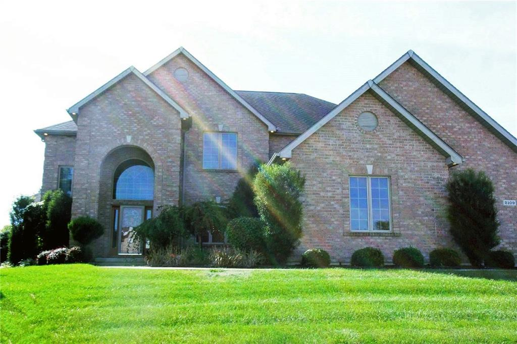 2109 Eagles Lake Piqua, OH