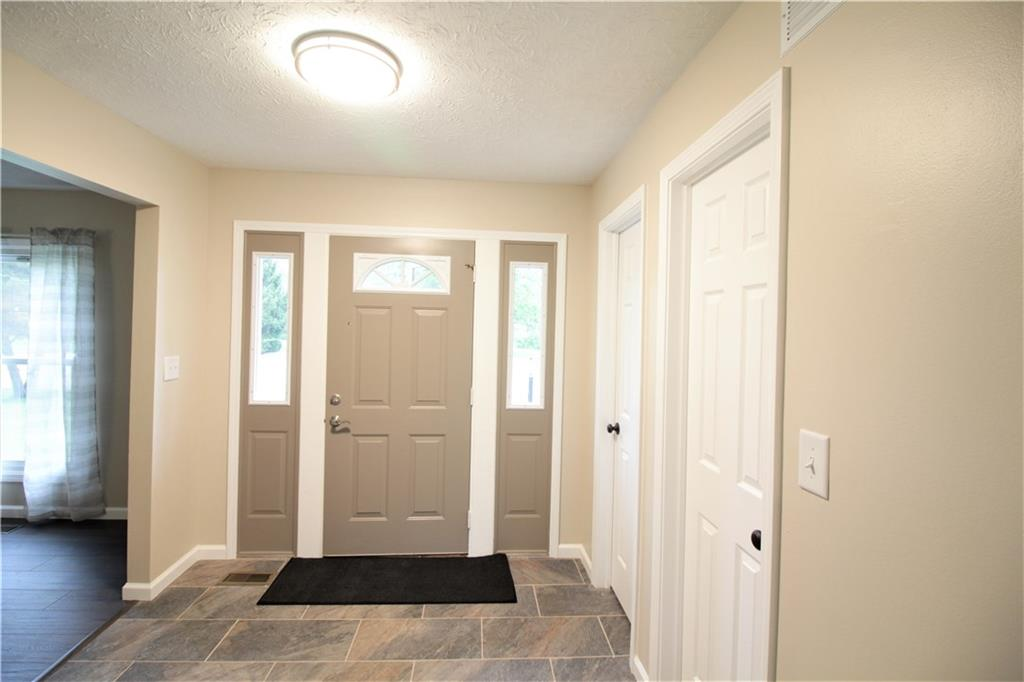 Photo 3 for 300 Canary Ct Enon, OH 45323
