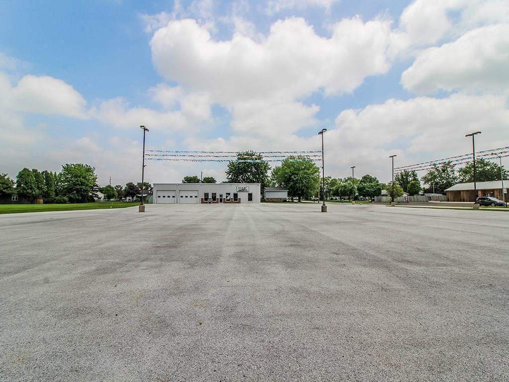Photo 2 for 1202 Lincoln Hwy Wapakoneta, OH 45895