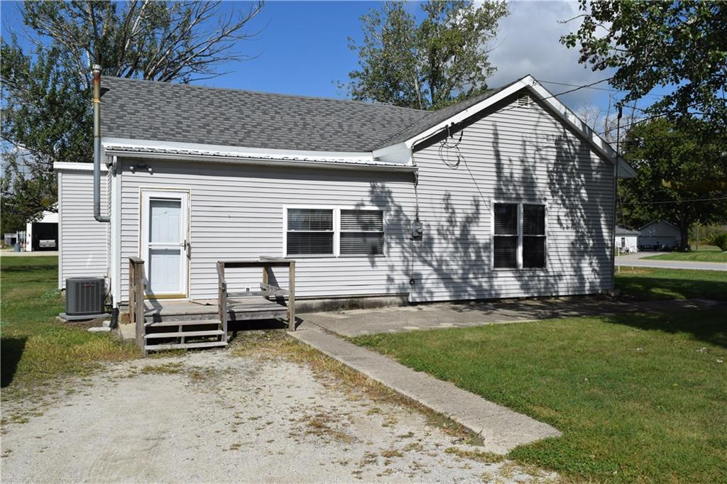 5582 US Route 33 Mendon, OH