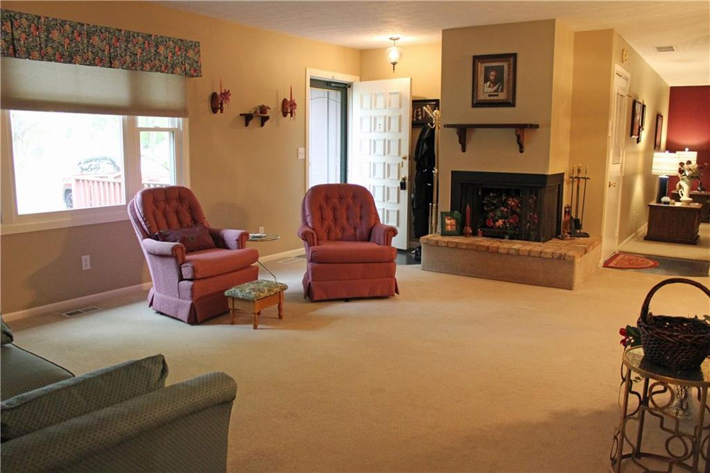 Photo 3 for 461 Shady Dr Tremont, OH 45372
